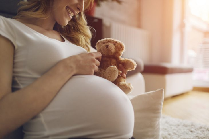 femme enceinte en pleine forme